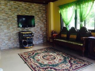 Catilo Beach House Laiya San Juan Batangas (30pax) - Laiya vacation rentals