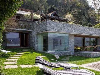 Spacious 4 bedroom Ispra Villa with Dishwasher - Ispra vacation rentals