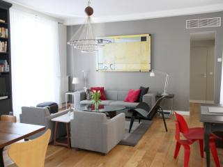 Luxury Apt Le Marais, A/C, highly rated, quiet - Paris vacation rentals