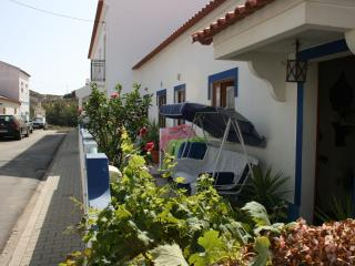 Romantic 1 bedroom Townhouse in Longueira - Longueira vacation rentals