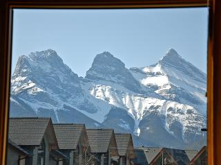 2 Bedroom Luxury Home with Stunning Mountain Views - Canmore vacation rentals