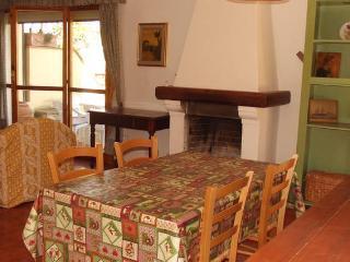 2 bedroom House with Central Heating in San Donato in Poggio - San Donato in Poggio vacation rentals