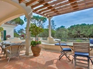 Pinheiros Altos 76 - Loule vacation rentals