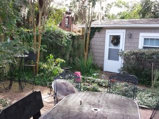Charming Studio with Internet Access and Linens Provided - Jacksonville vacation rentals