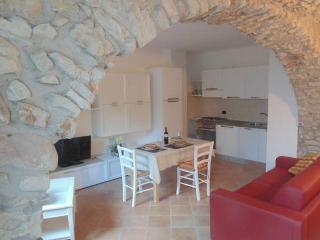 Cà del Polsèt: Trilocale - Magugnano vacation rentals