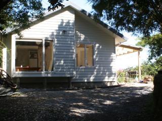 Estuary Escape - a cosy cottage in Mapua - Mapua vacation rentals