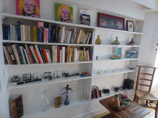 Chambre hôtes de charme CADET PARIS CENTRE - Paris vacation rentals