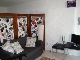Romantic 1 bedroom Aldeia do Meco Apartment with Internet Access - Aldeia do Meco vacation rentals