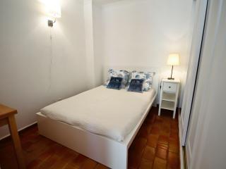 1 bedroom Condo with Internet Access in Lagos - Lagos vacation rentals