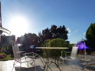 Nice Studio with Internet Access and Wireless Internet - La France vacation rentals