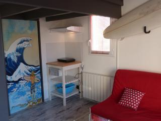 Nice Condo with Internet Access and Television - Puilboreau vacation rentals