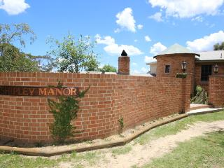 Shipley Manor including Masters Quarters - New South Wales vacation rentals
