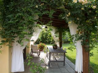 SOLE apartment - Tuscany - 2+2 people wi-fi pool - Terranuova Bracciolini vacation rentals