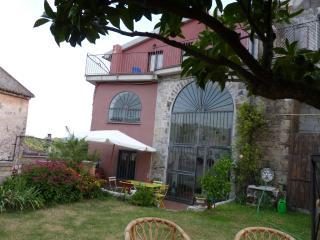 Casa del 1650 completamente ristrutturata - Sessa Aurunca vacation rentals