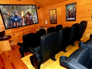 Bigfoot Crossing - Theater & game room - Pigeon Forge vacation rentals