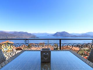 Suite East Lake View, Luxury Apartment in Stresa - Stresa vacation rentals