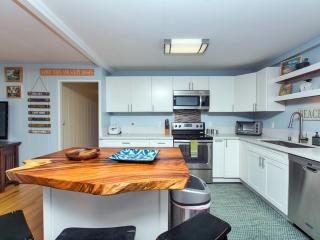 Renovated Family Home. Walk To Leftovers Surf Spot - Haleiwa vacation rentals
