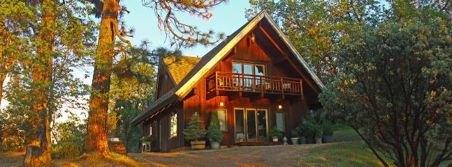 Manzanita Guest House 2BD  near Yosemite - Midpines vacation rentals