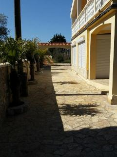 Nice House with Internet Access and Towels Provided - Lukoran vacation rentals