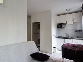 Apartment furnished 1 bedroom Avenue De Versailles - Paris vacation rentals