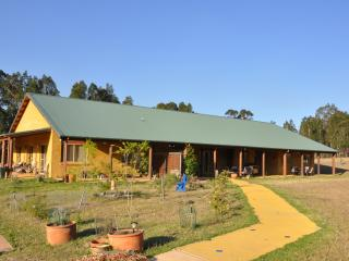 5 bedroom House with Internet Access in Quorrobolong - Quorrobolong vacation rentals