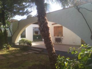 5 Minutes Walking To The Sea - Marinalonga, Sicily - Carini vacation rentals