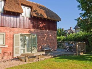 Beautiful Cottage with Shared Outdoor Pool and Television - Somerford Keynes vacation rentals
