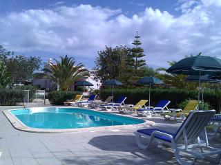 Quinta Casalinho Cottage 2 personnes avec piscine - Albufeira vacation rentals