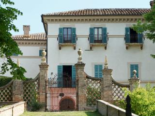 Villa Aureli - First Floor Apartment - Perugia vacation rentals