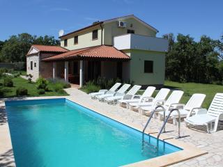 Perfect 4 bedroom Pavicini Villa with Internet Access - Pavicini vacation rentals