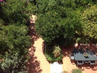 Appartamento in Villa con ampio giardino 1000mq. - Fondi vacation rentals
