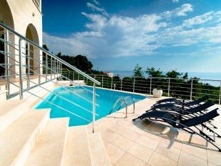 Bright 5 bedroom Villa in Makarska - Makarska vacation rentals