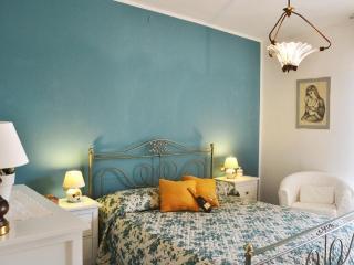 2 bedroom Condo with Internet Access in Menaggio - Menaggio vacation rentals