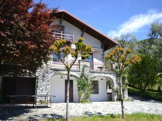 4 bedroom Villa with Garden in Tremezzo - Tremezzo vacation rentals