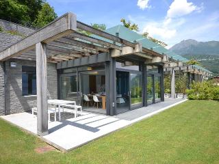 Perfect House with Dishwasher and Garden - Menaggio vacation rentals