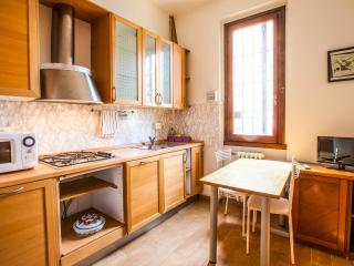 Romantic 1 bedroom Campi Bisenzio Apartment with Internet Access - Campi Bisenzio vacation rentals