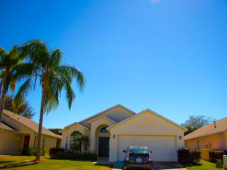 3 bedroom Villa with Internet Access in Davenport - Davenport vacation rentals