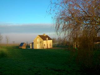 Cozy 3 bedroom Gite in Falaise with Internet Access - Falaise vacation rentals