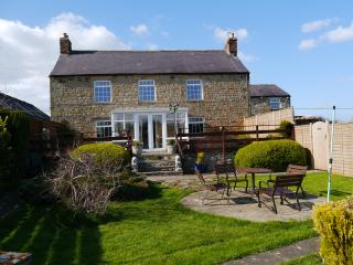 Wonderful 3 bedroom Hexham Farmhouse Barn with Internet Access - Hexham vacation rentals