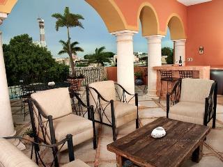 Beautiful Colonial Home in Centro Historico - Merida vacation rentals