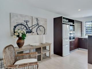 3 Bedroom Serviced Family Accommodation with Parking near Victoria Park - Auckland vacation rentals