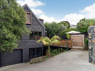 Ponsonby Family Vacation 3 Bedroom Home with Parking Auckland - Herne Bay vacation rentals