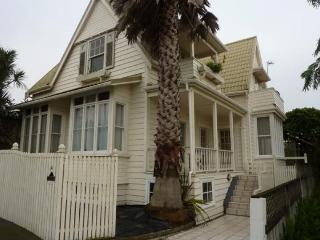 2 Bedroom St Marys Bay Villa Apartment, Auckland - Herne Bay vacation rentals