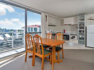 H47 City View One Bedroom Apartment with Balcony in Auckland CBD, NZ - Auckland vacation rentals