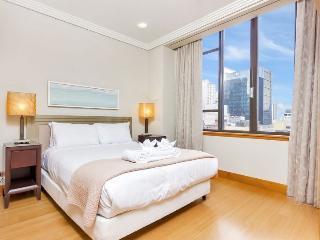 Large 2 Bedroom 2 Bathroom and Carpark Metropolis Serviced Apartment - Auckland vacation rentals