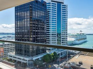 2 bedroom, 2 bathroom Air Conditioned Apartment in Quay West Residences - Auckland vacation rentals