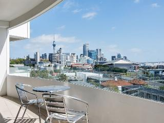 2 Bedroom Serviced Apartment Accommodation in Parnell, Mirage on Strand - World vacation rentals