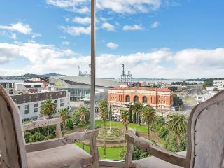 Contemporary Penthouse Apartment close to the Britomart Precinct, Auckland - Albany vacation rentals
