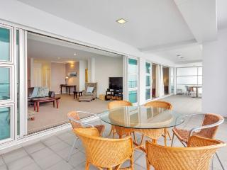 Princes Wharf Waterfront Apartment Adjacent to Hilton Hotel, Auckland - Auckland vacation rentals