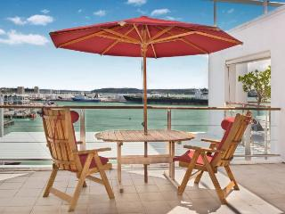 Spacious 3 Bedroom Apartment on Princes Wharf Shed 23, Auckland near Hilton Hotel with Parking - Auckland vacation rentals